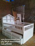 Tempat Tidur Anak Model Rumah Cat Putih