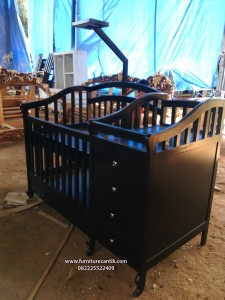 Box Bayi Minimalis Klasik
