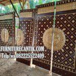 Pintu Utama Masjid Kayu Jati Tua