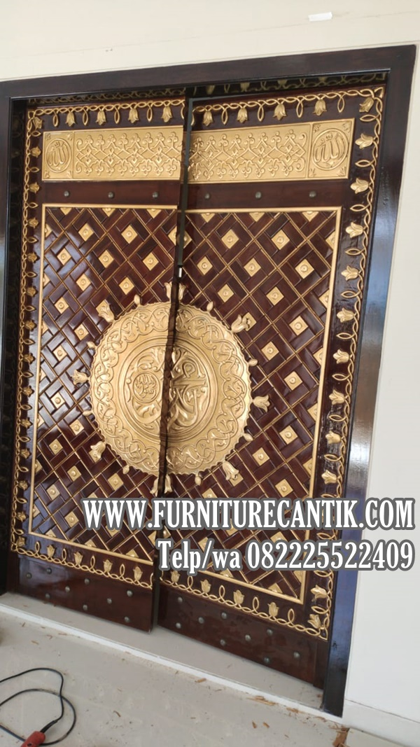 Pintu Masjid Jati Ukiran Kaligrafi