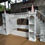 Tempat Tidur Tingkat Istana Pink Putih